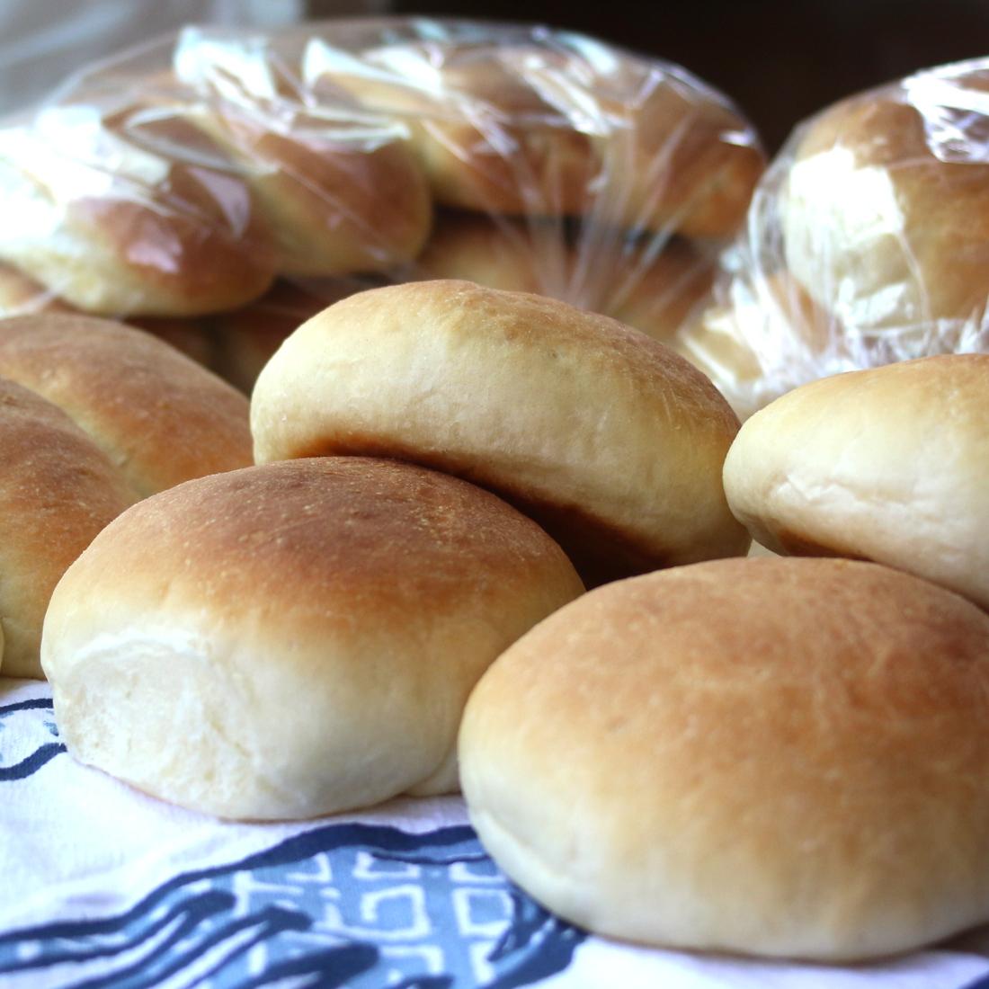 hamburger and hotdog buns 1100
