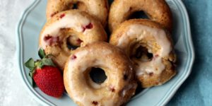 Strawberry cake doughnut recipe